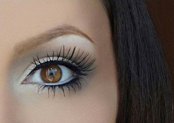 White Eyeliner to make your Brown eyes