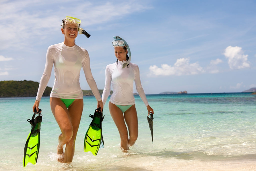 women scuba diving spots