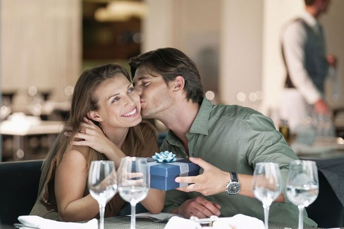 Top 5 Romantic Ideas to Surprise Her Birthday