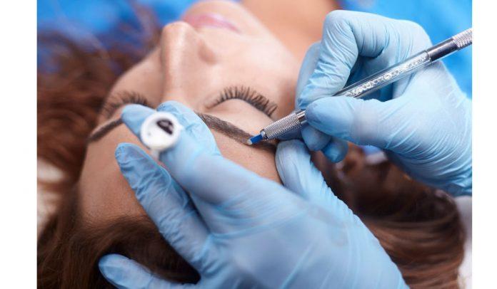 microblading eyebrows technique