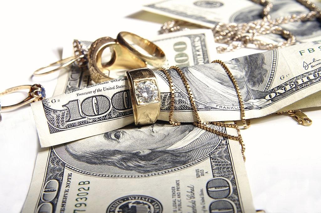 Diamond Jewelry into Cash.