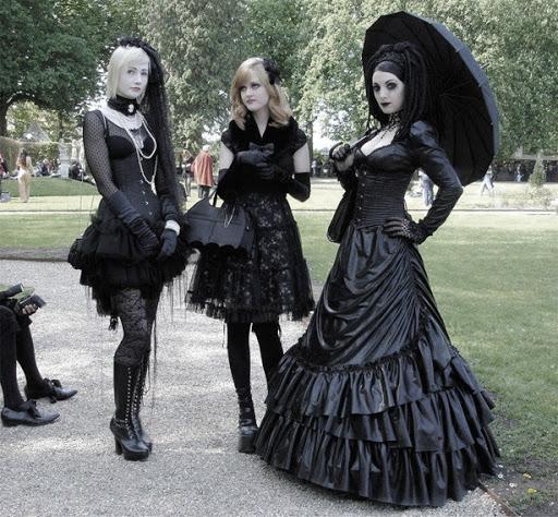 Medieval Gothic Fashion