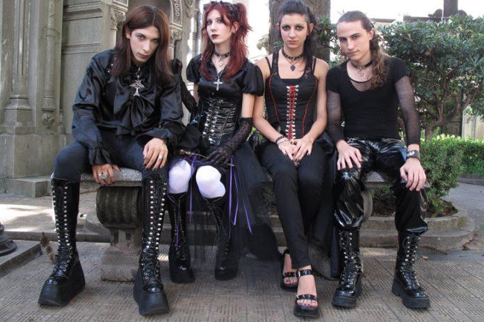 Gothic Clothing Popular
