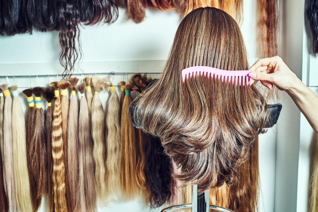 How to Comb Hair Extensions